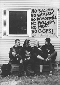 Punk, peace, chill out Riot Grrrl, Chicas Punk Rock, Arte Punk, Refugees, Illustration Photo, Punks Not Dead, Protest Signs, Punk Goth, Ska Punk