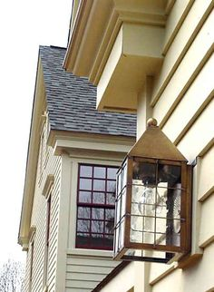 Yum check out backboard for install on porch Colonial Exterior, Exterior Trim, Interior And Exterior, Types Of Architecture, Colonial Architecture, Copper Lighting, Construction Process, Architectural Features, Home Design Plans