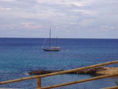 calma...azul en Cala Xarraca Ibiza Baleares