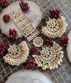 Chandbali Earring Teeka With Motifs Indian Bridal Jewelry Sets, Indian Jewelry Earrings, Bridal Jewelry Vintage, Jewelry Design Earrings, Gold Earrings Designs, Bridal Jewellery, Beaded Jewelry, Fine Jewelry, Antique Jewellery Designs