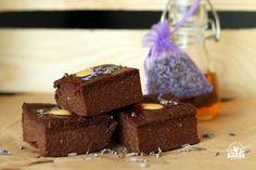 Wegańskie brownie tylko z 3 składników? Od dzisiaj to możliwe. Proste i pyszne ciasto, które zrobi każdy. Składniki są łatwo dostępne, nic tylko robić.