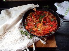 Mancare de ardei copti cu rosii Paella, Curry, Ethnic Recipes, Romanian Recipes, Curries