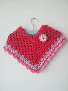 babyponcho via Aan de haak. Click on the image to see more!