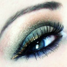 Celebrate St. Patrick's Day with glamour green eyeshadow. Add gold eyeliner for a more enchanting look!