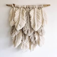 Small plumage // natural, linen - Holz Deko - Shelves in Bedroom Diy And Crafts, Arts And Crafts, Deco Boheme, Boho Wall Hanging, Macrame Wall Hangings, Handmade Wall Hanging, Hanging Shelves, Creation Deco, Macrame Projects