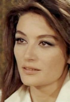 Anouk Aimee Anouk Aimee, Francoise Hardy, Isabelle, Old Hollywood Glamour, Iconic Women, Most Beautiful Women, Actors & Actresses, Glow, Woman