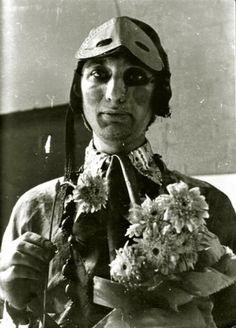 Barney Bubbles in full hippie regalia preparing for the Alexandra Palace all weekend gig in 1967. Photograph David Wills