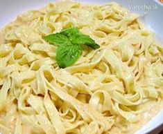 To Die For Fettuccine Alfredo When a cast member says it's their favorite you've got to post the recipe. Any guesses as to which Idello family member chose fettuccine alfredo as their favorite Italian dish Fettuccine Alfredo, Pasta Alfredo Receta, Chicken Alfredo, Recipe For Fettucine Alfredo, Alfredo Noodles, Salsa Alfredo, Shrimp Fettuccine, Rice Noodles, Food Dinners