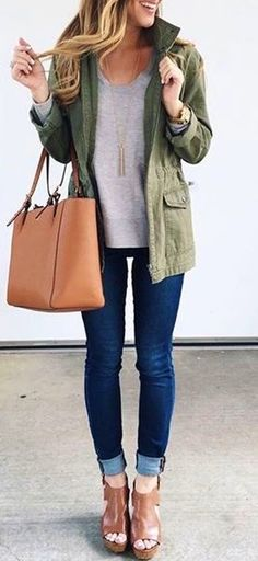 summer outfits Khaki Jacket + Grey Top + Skinny Jeans