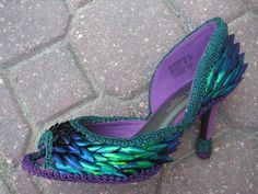 "writingfish: ""whatwouldkhaleesiwear: ""What Would Khaleesi Wear? Iridescent Dragon Scaled Peacock Jewel Wing Shoes "" These look like they're part of the Tooth Fairy's dress in Rise of the Guardians. Peacock Shoes, Peacock Dress, Peacock Theme, Peacock Design, Peacock Costume, Dragon Costume, Wing Shoes, Dragon Scale, Shoe Boots"