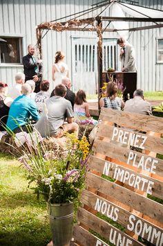 L'histoire d'un mariage DIY à moins de 2 500 $   De la ruelle au salon