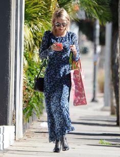 Emma Roberts Street Style Crossover Bag