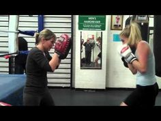 How to use a Boxing Mp3 Workout Routine on Punching Bag - http://sport.linke.rs/boxing/how-to-use-a-boxing-mp3-workout-routine-on-punching-bag/
