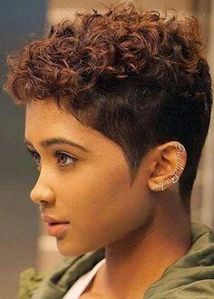 55 Beautiful and Convenient Medium Bob Hairstyles - Hairstyles Trends Short Curly Haircuts, Medium Bob Hairstyles, Curly Hair Cuts, Short Hair Cuts, Curly Hair Styles, Natural Hair Styles, Short Curly Pixie, Curly Pixie Hairstyles, Sassy Hair