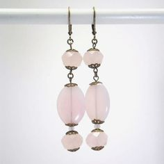 Boucles d'oreille en cristal verre translucide rose par kalaniparis