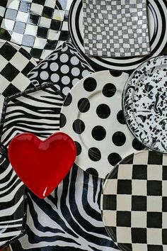 . Black And White Plates, Black And White Colour, Red And Grey, White Art, Red Black, Bastilla, Colour Board, Red Accents, Color Themes