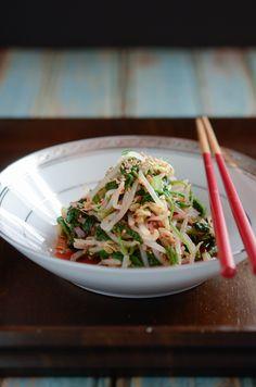Korean Spinach Mung Bean Sprouts Salad