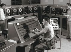 """Univac computer - """"Dude, how do you find Pinterest on this thing?"""""""