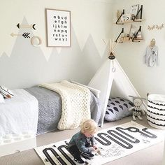 10 Adorable Kids Room Ideas and Inspiration More than ever, parents are carrying the latest contemporary design ideas into their kids' rooms. From soft neutral colors to natural textiles, children's bedrooms and playrooms are greener, more modern, and Boy Toddler Bedroom, Toddler Rooms, Baby Boy Rooms, Baby Bedroom, Girls Bedroom, Kids Rooms, Young Boys Bedroom Ideas, Little Boys Rooms, Toddler Teepee