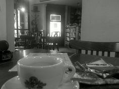 Kavárna Alibi in Praha, Hlavní město Praha Espresso Drinks, Praha, Four Square, Culture, Tableware, Dinnerware, Tablewares, Dishes, Place Settings