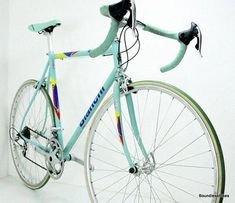 Bianchi Racing Sprint Campagnolo Rare Vintage Road Bike Celeste pantographed: I loved my old Bianchi. Velo Vintage, Vintage Bicycles, Buy Bike, Bike Run, Cycling Equipment, Cycling Bikes, Road Cycling, Specialized Bikes, Road Bike Women