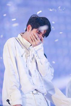 I will continue to remember your sad smile. Jaehwan Wanna One, Ong Seung Woo, Big Crush, Sad Day, Kim Jaehwan, My Youth, Seong, Foto Bts, Jinyoung