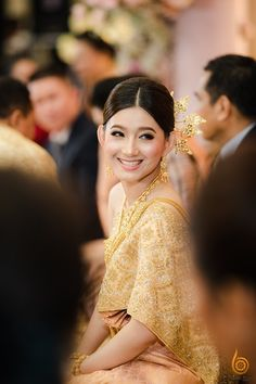 Cambodian People, Thai Dress, Khmer Wedding, Traditional Wedding, Women's Fashion, Costumes, Model, Outfits, Dresses