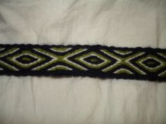 Blue Green and White repeating diamond tablet woven band in wool. Woven by Asny Hafdansdoitter