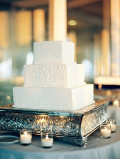 Photography: Ashley Kelemen - ashleykelemen.com/  Read More: http://www.stylemepretty.com/2015/03/27/elegant-new-york-city-fall-wedding/