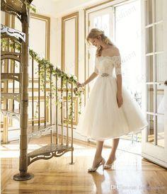 Elegant Off the Shoulder Short Wedding Dress A-line Tea Length Lace Vintage Tulle Bridal Wedding Gowns