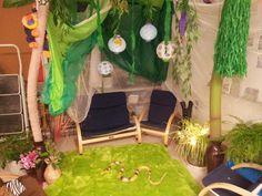 Tropical rainforest. For more inspiring play ideas: http://pinterest.com/kinderooacademy/imagine-dream-pretend-play/ ≈≈