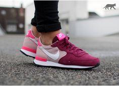 Nike wmns Internationalist (Villain Red / White - Champagne - Pink Pow) - Nike Internationalist | asphaltgold