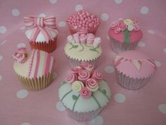 Shabby Rose Cupcake Collection My new designs! We have different rose designs, bunting, bows and pearls, complete with striped fondant. Shabby Chic Cupcakes, Pastel Cupcakes, Elegant Cupcakes, Fancy Cupcakes, Fancy Cookies, Fondant Cupcakes, Wedding Cupcakes, Decorated Cupcakes, Pretty Cupcakes