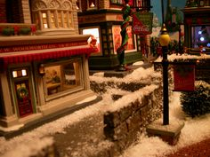 Feel the hustle and bustle of the city at Christmas time! Christmas In The City, Christmas Town, Christmas Lights, Christmas Crafts, Christmas Decorations, Xmas, Christmas Village Houses, Christmas Village Display, Halloween Village