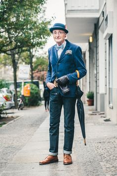 Berlin streetstyle of man in blue suit  - 104 years old !
