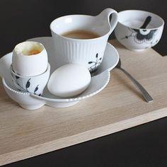 A simple breakfast @christina_hjja #RoyalCopenhagen #BlackFlutedMega #WhiteElements by royalcopenhagen