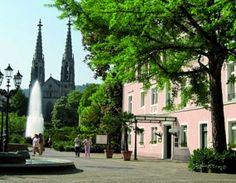 Ganz in unserer Nähe finden Sie das Standesamt Baden-Baden. Sie könnten ja dann mit der Kutsche bei uns vorgefahren werden. Hochzeit im Hotel am Sophienpark, Baden-Baden http://www.hotel-am-sophienpark.de/