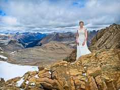 The picture may not flabbergast you, but the 8km hike up to the summit of a 10,000 ft mountain carrying a wedding dress in your backpack surely should. We wondered where exactly she changed into her dress way up there... and if there may have been some pretty excited hikers that afternoon?