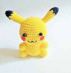 Mira este artículo en mi tienda de Etsy: https://www.etsy.com/es/listing/276677200/listo-para-enviar-pikachu-amigurumi