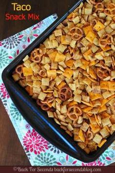 Easy Recipes for a Family Fun Night {Gluten-Free!} - Baked Taco Chex Mix – such a yummy snack mix! Trail Mix Recipes, Snack Mix Recipes, Recipes Appetizers And Snacks, Yummy Snacks, Cooking Recipes, Snack Mixes, Easy Recipes, Savory Snacks, Chex Recipes