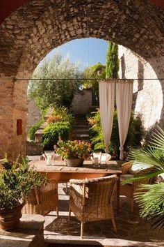 Alfresco Italia -  Eating outside...