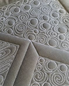Sometimes, its about making the quilting pop rather than blending into the background. Quilting Stitch Patterns, Machine Quilting Patterns, Quilt Stitching, Long Arm Quilting Machine, Quilt Patterns, Quilting Stencils, Longarm Quilting, Quilting Tips, Quilting Projects
