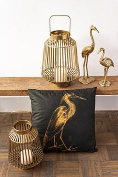 Dein Sofa braucht ein Upgrade? Manchmal machen schon ausgefallene Dekokissen den stylischen Unterschied. Jetzt versandkostenfrei inklusive Kissenfüllung für 38,- entdecken. Sofa, Throw Pillows, Bed, Settee, Cushions, Stream Bed, Decorative Pillows, Decor Pillows, Loveseats