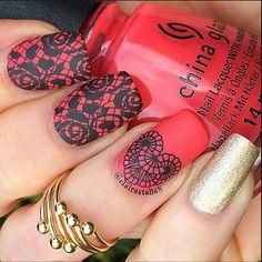 piros és a csipke imádat :)