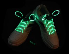 Image Light Up Flash LED Waterproof Shoelaces Green - 3 Modes (On, Strobe & Flashing) Glow Shoes, All Black Sneakers, Sneakers Nike, Light Up Shoes, Strings, Puma, Shoe Brands, Air Jordans, Footwear