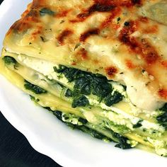 Vegetarian lasagna with ricotta, cheese, spinach - Yummy! Veggie Recipes, Pasta Recipes, Vegetarian Recipes, Cooking Recipes, Healthy Recipes, Healthy Foods, Low Carb Lasagna, Veggie Lasagna, Spinach Lasagna