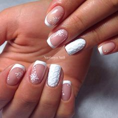Give your French manicure a unique look by adding different nail art and effects. Take a look at these gorgeous white tip nails designs for inspiration! Frensh Nails, Xmas Nails, New Year's Nails, Hair And Nails, Nails 2017, Snow Nails, 3d Nails Art, Coffin Nails, Winter Nail Designs