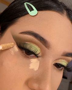Goth Eye Makeup, Makeup Art, Beauty Makeup, Makeup Trends, Makeup Inspo, Makeup Tips, Best Makeup Tutorials, Best Makeup Products, Colorful Makeup
