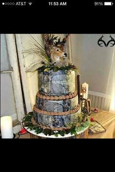 Camo wedding cake, minus the head it's very pretty. With the head seams like a congratulation cake for the hunter. Redneck Wedding Cakes, Western Wedding Cakes, Country Wedding Cakes, Country Weddings, Redneck Cakes, Western Weddings, Indian Weddings, Hunting Wedding, Camouflage Wedding