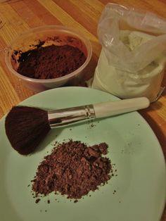 Shampooing sec maison (2 c.à.thé d'argile, 5 c.à.thé de cacao)